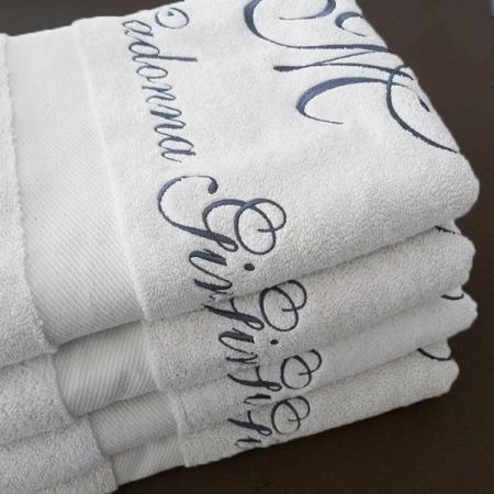 muster handtuch mit logo bestickt bestellen handtuchfabrik. Black Bedroom Furniture Sets. Home Design Ideas